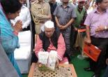 hon'ble governor receiving  uttaranchal tea from the horticulture minister